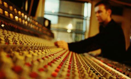 آموزش آهنگسازی و میکس و مسترینگ