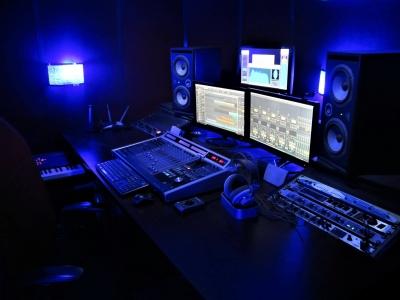 استودیو خانه مسترینگ